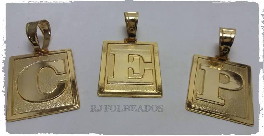RJ Folheados - Pingente Placa Grande Letra Nome Banhado a ouro 18k eb659899c8