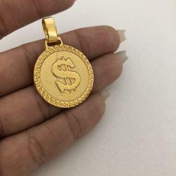 Pingente Mini Cifrão Bordado Banhado a Ouro 18k